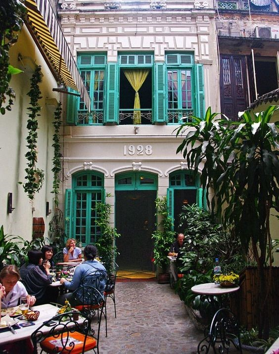 Vietnamese coffee, customs and traditions